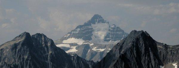 0538 Pyramid Peaks