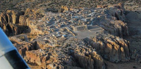 6980 Acoma Pueblo