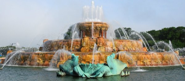 0619 Buckingham Fountain