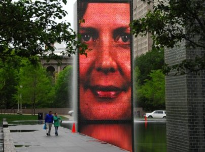 0750 Crown Fountain