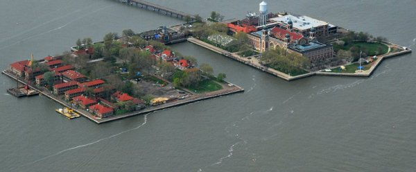 8828 Ellis Island