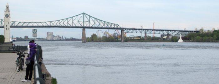 0523 Bridge To Island