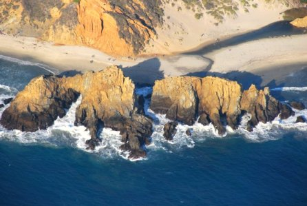 7149 Rugged Rocks