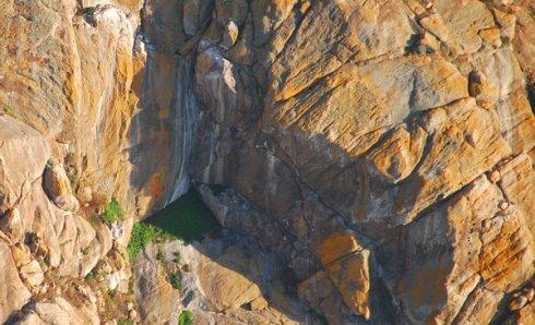 9143 Dropping Falls