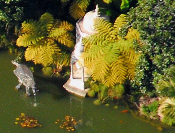 9913 Funny Fountain
