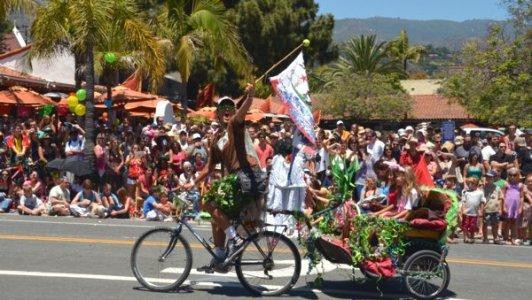 0645 Parade Family