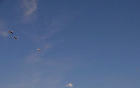0748 Formation Landing