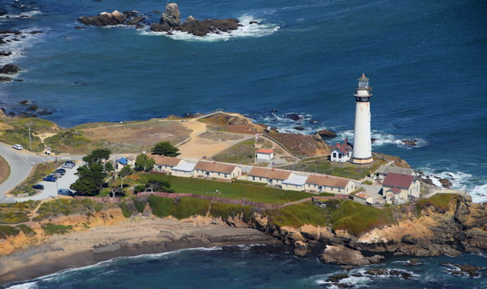 4940 Pigeon Point Light