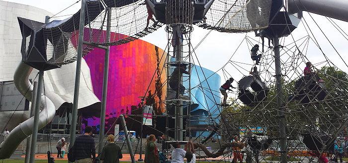 132208 Creative Playground