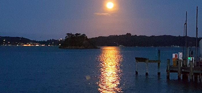 210734 Moonrise