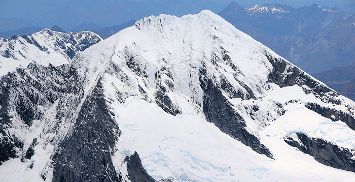 1676 Mount Aspiring Peak