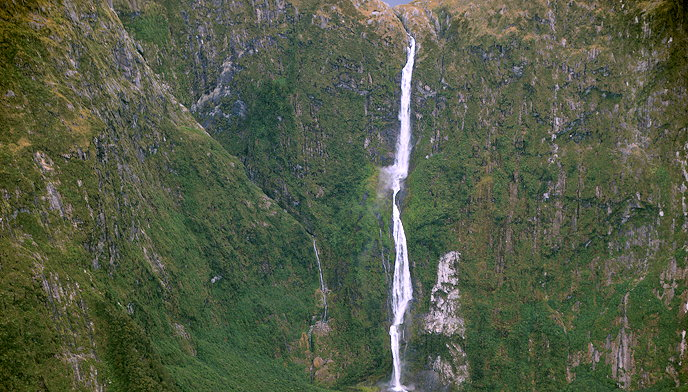 2128 Sutherland Falls