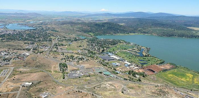 3473 Shasta Past A Lake