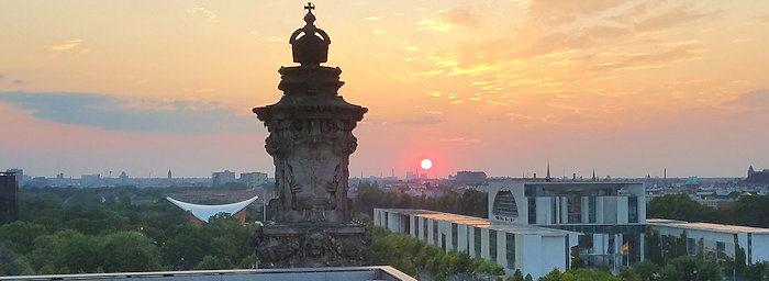 194150 Reichstag Sunset