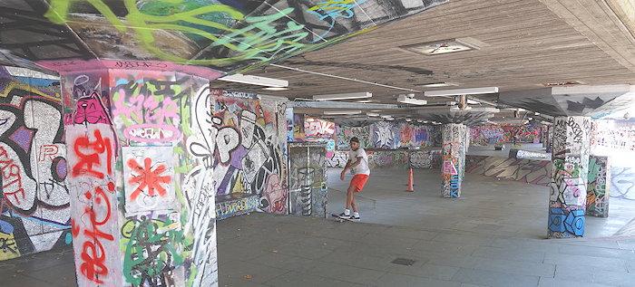 5586 Skate & Paint