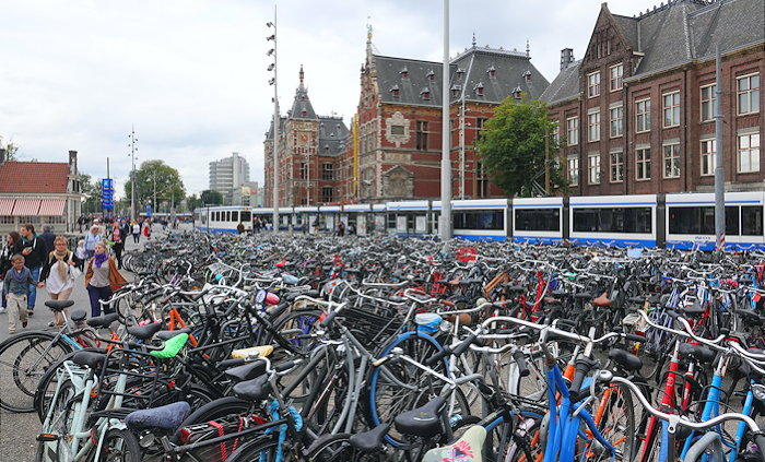 5950 Land of Bikes