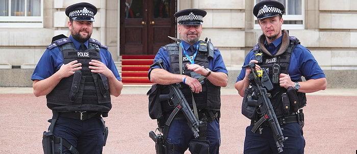 6678 Gate Guards