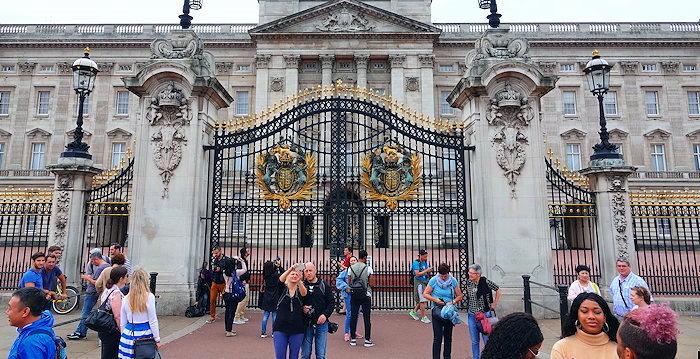 6685 Buckingham Palace