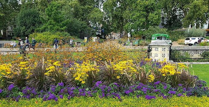 161930 Flowerbed Barrier