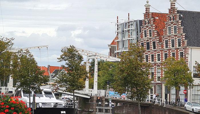 6136 Canal Bridge